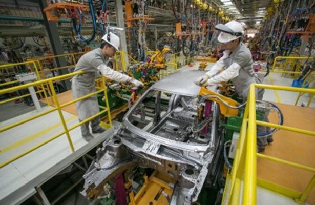 Deterioro en sector manufacturero de EU favorece al mercado cambiario