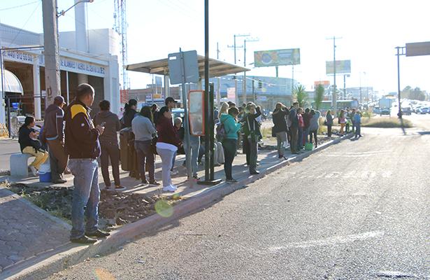 Paro parcial de transporte desquicia Aguascalientes