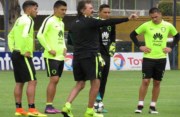 LaVolpe levanta polémica previo al Clásico en Copa MX