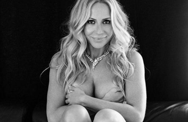 Martha Sánchez se desnuda para combatir el cáncer
