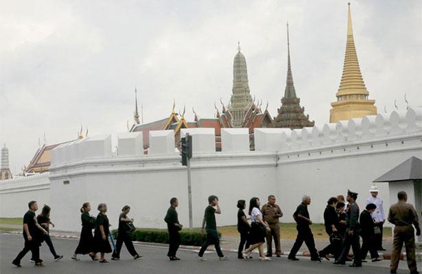 Príncipe tailandés será proclamado rey en las próximas semanas