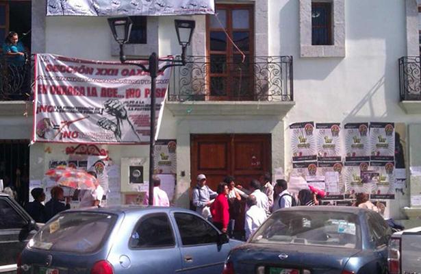 Cortan luz a edificio de la Sección 22 de Oaxaca
