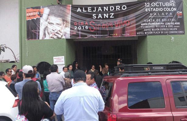 Fans de Alejandro Sanz, molestos por no recibir reembolso