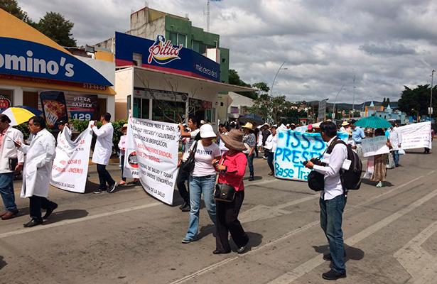 Médicos se manifiestan en marcha nacional