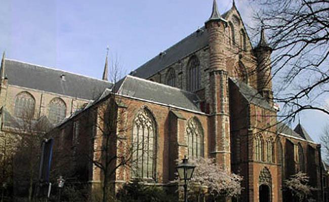 Filmar porno en una iglesia no es delito: Holanda