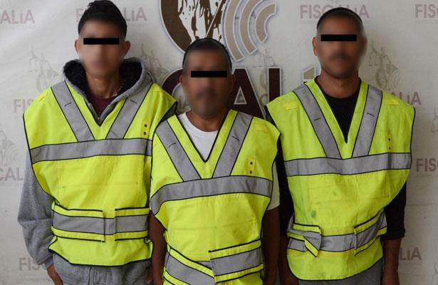 Capturan a tres responsables de incendio en Durango