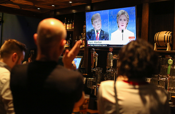 """Festejaron en el restaurante """"Pinche Gringo BBQ"""" la derrota de Trump"""