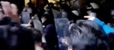 Se enfrentan policías y manifestantes en Tijuana