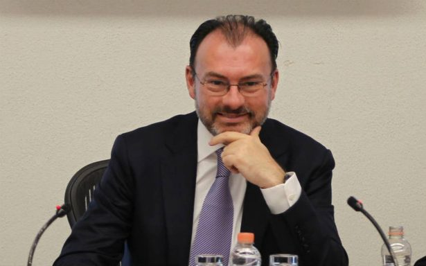 Desde China, Videgaray afirma que México trabajará para dar certeza a dreamers