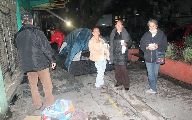 Familias desalojadas por riesgo de colapso
