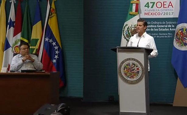 Peña Nieto defiende diálogo y pluralidad de naciones ante la OEA