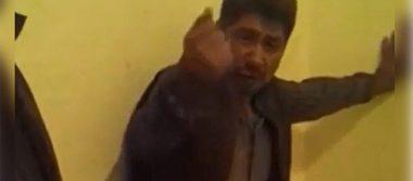 Edil de Atoyatempan golpea a joven discapacitado