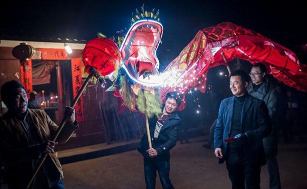 Con  Dragones Festejan en China