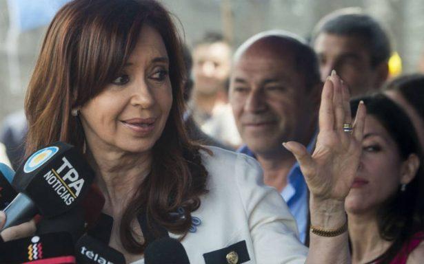 Cristina Kirchner: cuando las barbas de tu vecino veas cortar…