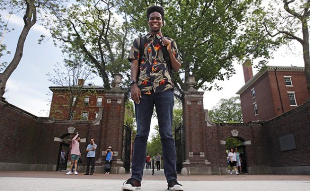 Joven de Harvard compone rap ¡como su tesis!
