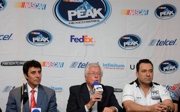 Dos pilotos por la supremacía en final de NASCAR México