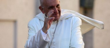 Papa dona 150 mil dólares a los afectados del sismo en México