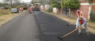 400 toneladas de asfalto para Valle