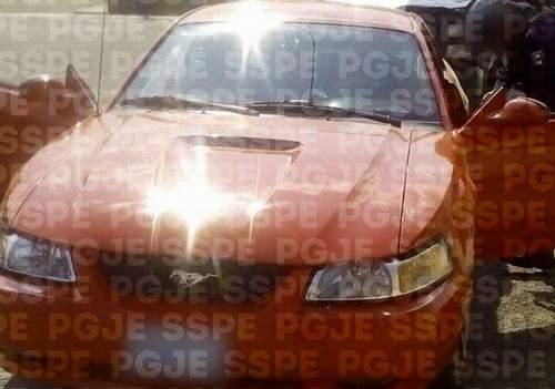 Recuperan elementos de SP dos vehículos robados
