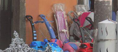 Comerciantes siguen invadiendo la vía pública con su mercancía