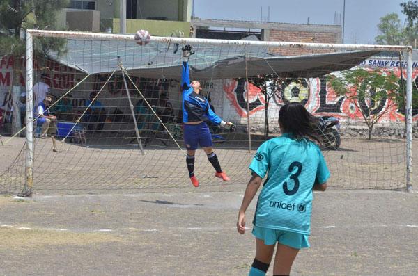 Intratable Dep. Guanajuato en fútbol femenil