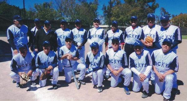 A la alza Ruckys en softbol de jubilados y pensionados de Pemex