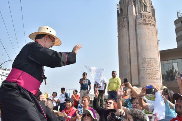 Cálida recepción al nuevo obispo