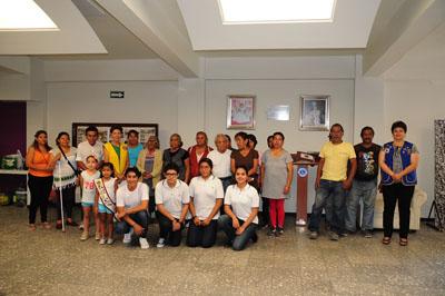 Ayudan a familias vulnerables
