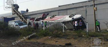 Fatal choque: tres muertos y decenas de heridos