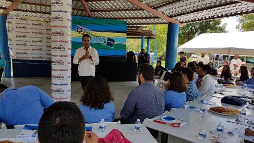 Se reúne alcalde con jóvenes