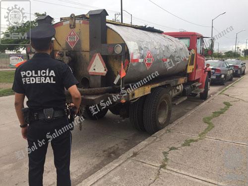 Aseguran más de 45 mil litros de asfalto