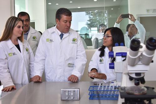 Inauguran 4 laboratorios