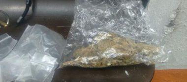 Detienen a dos sujetos por posesión de mariguana