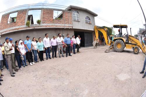 Banderazo a obras en calles de Valtierrilla
