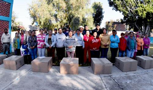 Estufas ecológicas a 17 comunidades