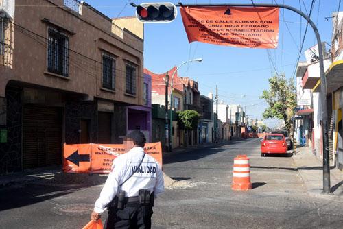 Causan caos vial obras  de la calle Cruz Roja