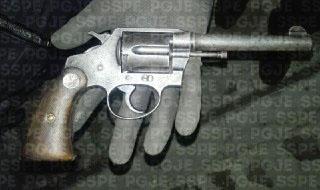 Detienen a 4 sujetos con armas de fuego