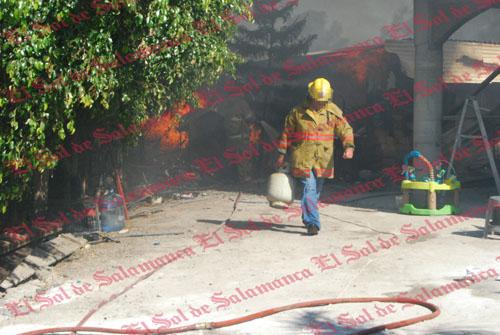 Se incendia casa en la comunidad La Luz