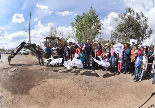 Arrancan obras en la comunidad de Loma Pelada de San Antonio