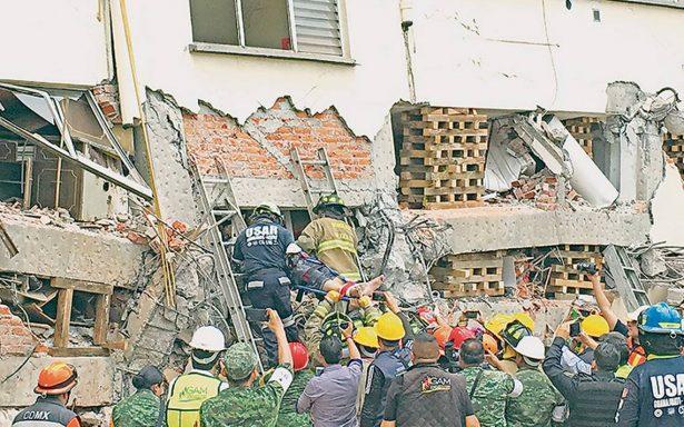 Logran rescate de sobreviviente en Lindavista