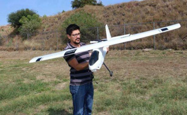 Estudiante del IPN arma dron que vuela como halcón