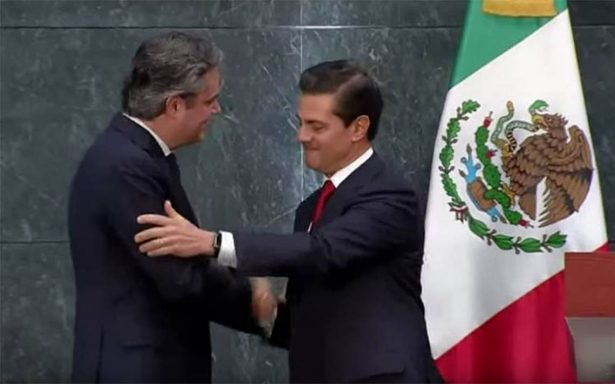 Peña Nieto acepta renuncia de Aurelio Nuño a la SEP