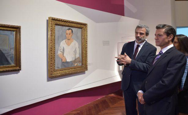 Peña Nieto aprecia obras de Rivera y Picasso en exposición de Bellas Artes