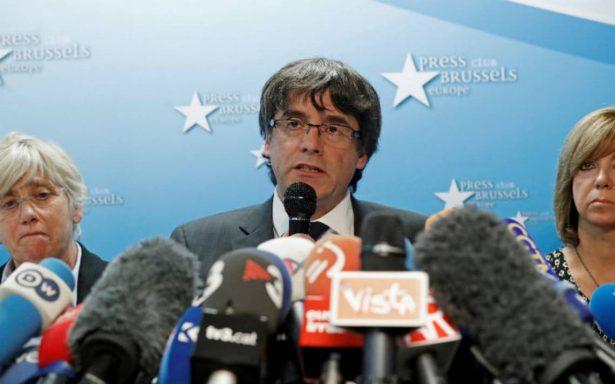 Fiscalía española pide orden de detención contra Puigdemont