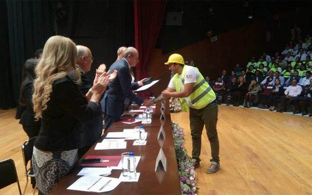 Politécnico reconoce a brigadistas de los sismos de septiembre