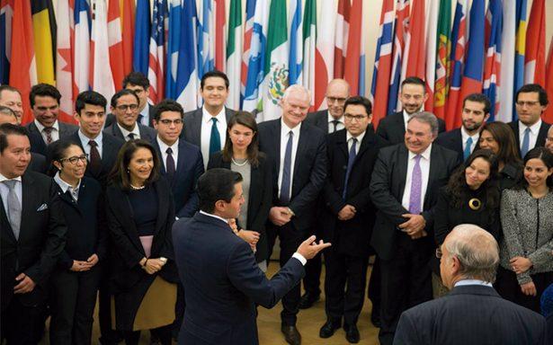 EPN dicta receta para las reformas estructurales de un país
