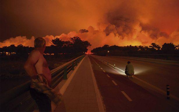 Incendios forestales abaten Portugal y España; hay 39 muertos