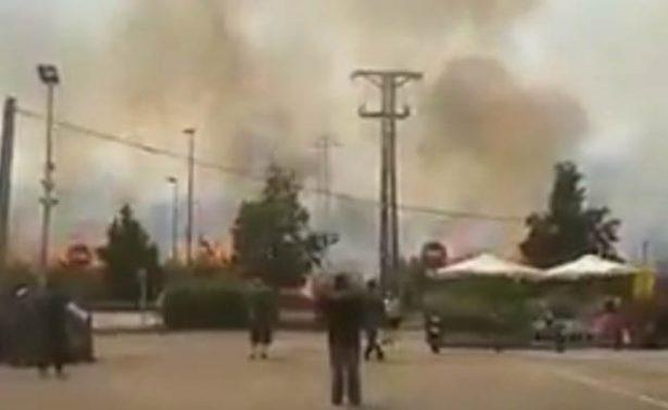 Reportan fuerte incendio cerca del Aeropuerto de Barcelona-El Prat