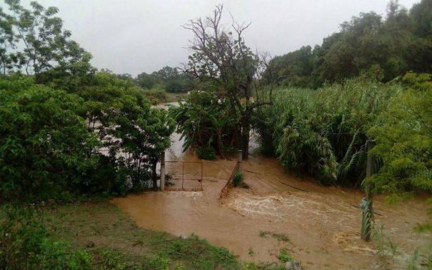 Un muerto y 50 casas destruidas por tormenta en Puerto Escondido