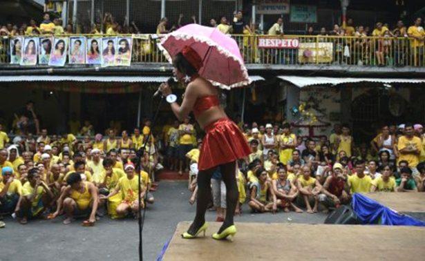 Celebran presos filipinos concurso de belleza